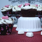 Red Velvet Cupcakes – Happy Valentine's Day!