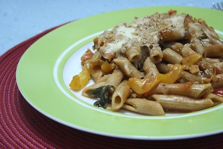 spinach, tomato and roasted pepper pasta bake